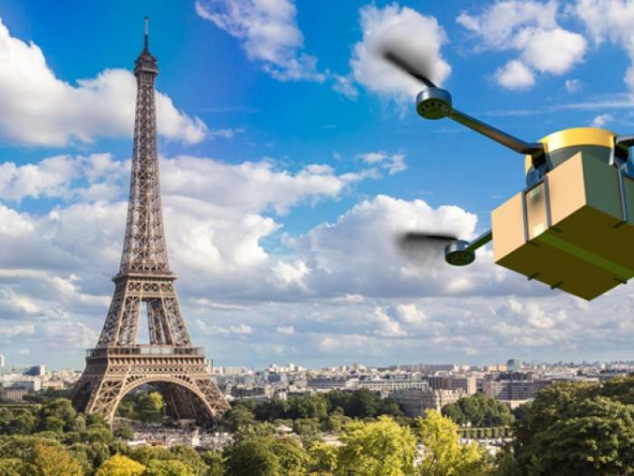 amazon_delivery_drone_flying_over_paris