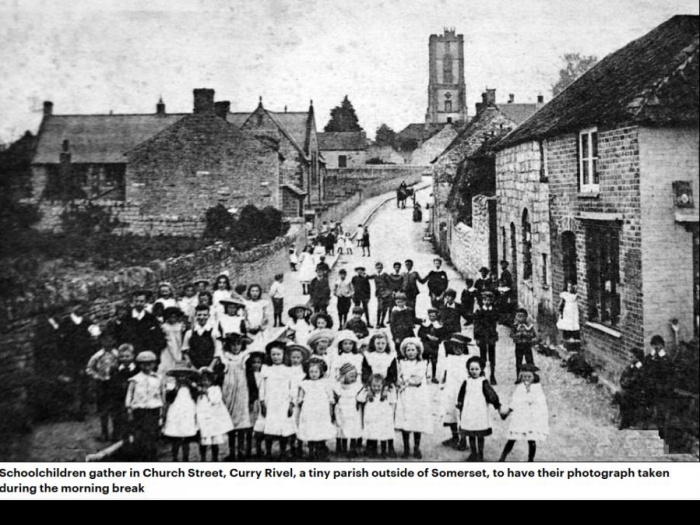 Daily Mail Photo of Curry Rivel School Children 100 Years Ago
