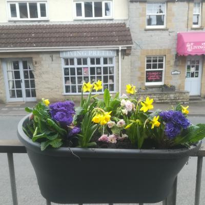 High St Railing Planter
